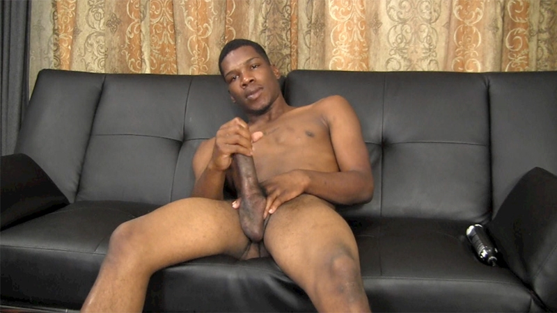 Horny stud enjoys a spitroasting