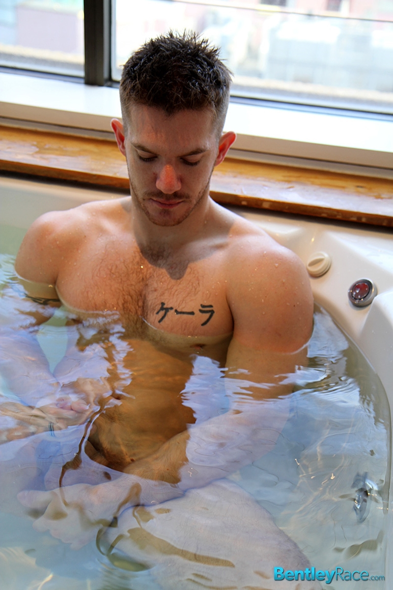 BentleyRace-sexy-Aussie-guy-Skippy-Baxter-solo-model-stark-bollock-naked-water-bath-tub-stroking-large-cock-016-tube-video-gay-porn-gallery-sexpics-photo