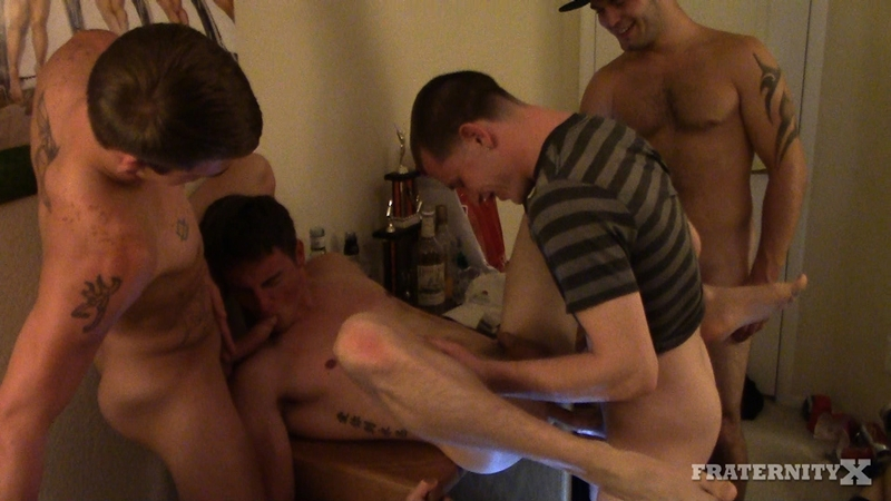 Matthew Singer Fucked Up His Tight Ass