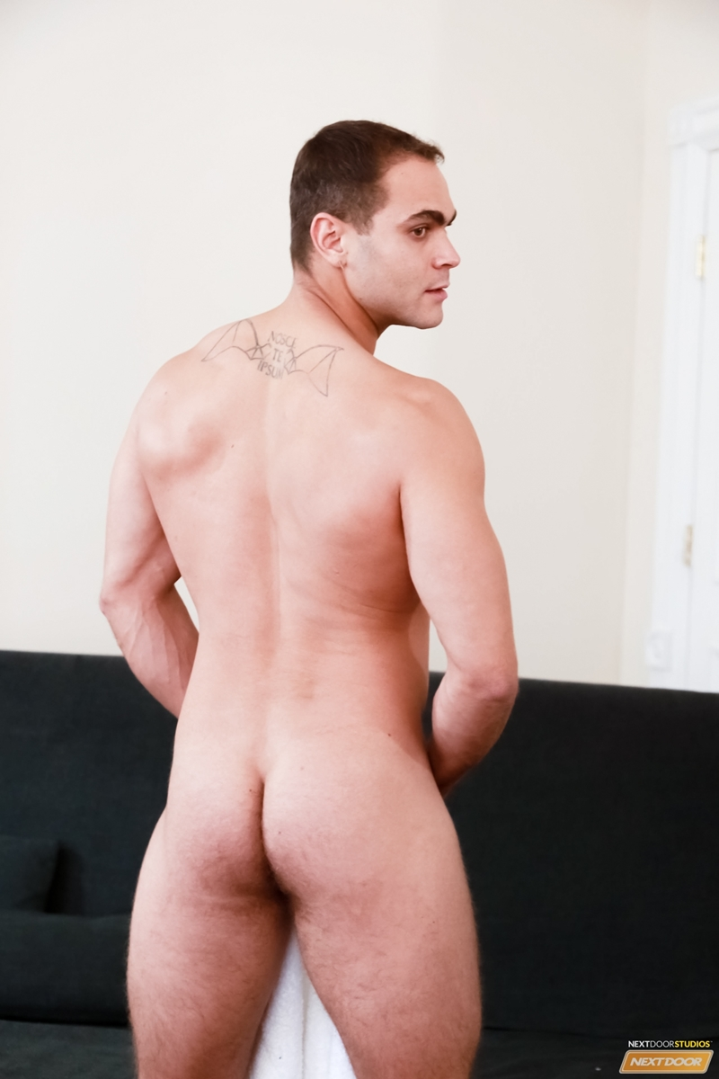 gay male seattle