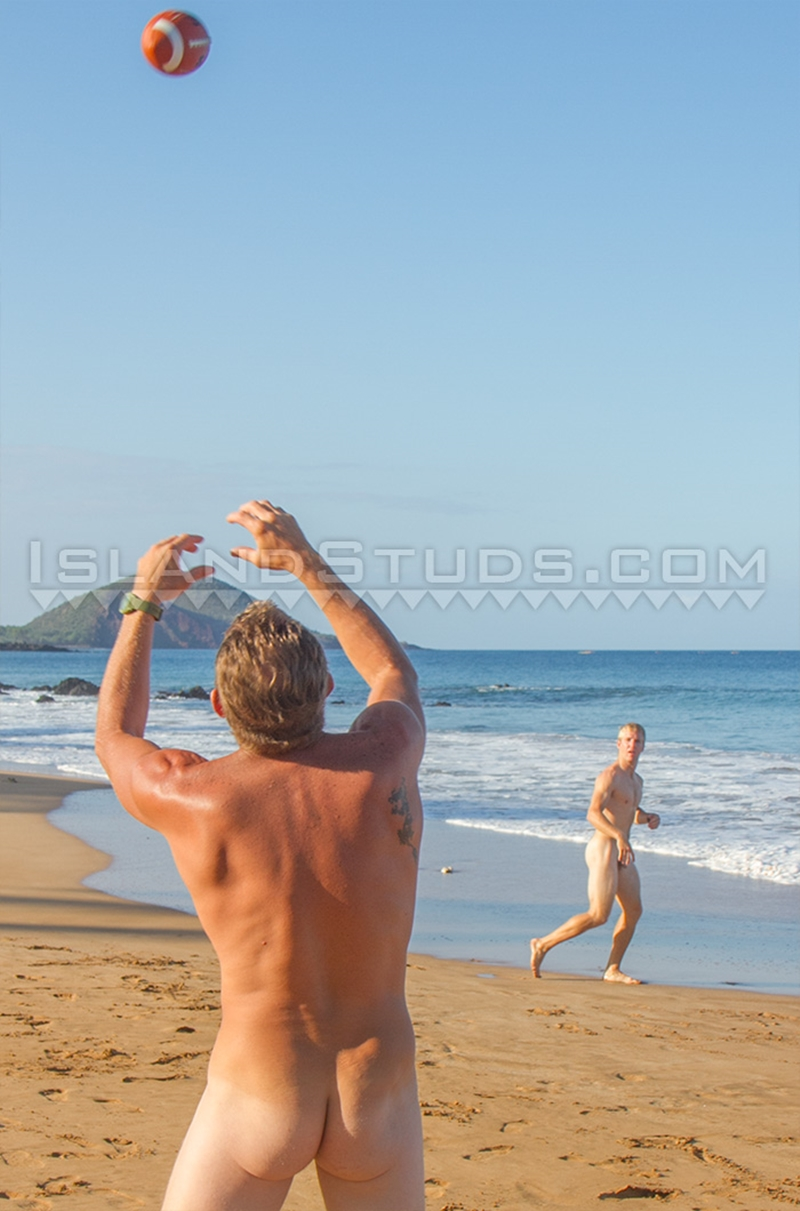IslandStuds-straight-Nyles-9-inch-cock-Daddy-Van-Surf-HUGE-balls-ripped-college-football-big-cock-nut-sack-muscle-jock-naked-young-men-004-gay-porn-video-porno-nude-movies-pics-porn-star-sex-photo