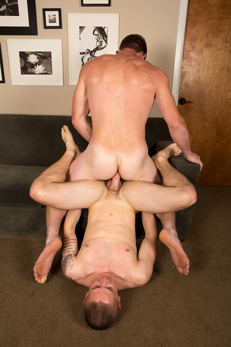 Mature Muscular Gay Sex With Tattooed Hunks