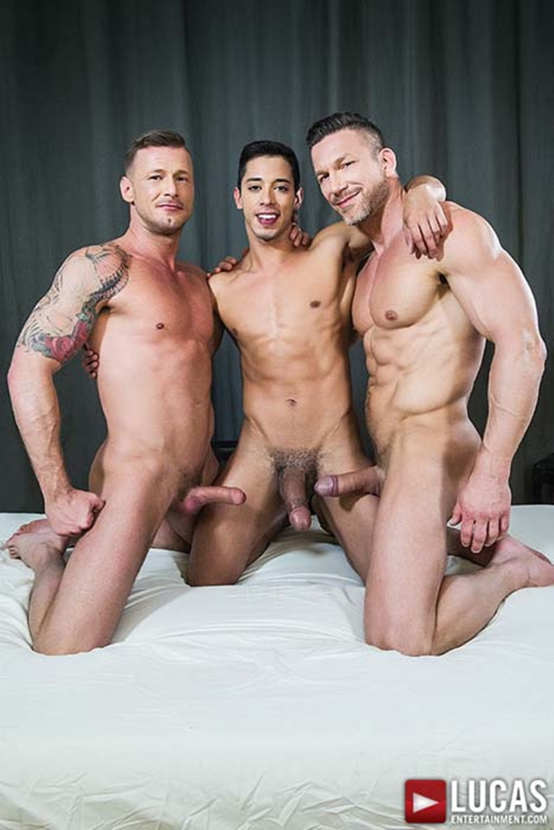 LucasEntertainment-sexy-naked-muscle-guys-Tomas-Brand-Logan-Rogue-daddies-Drae-Axtell-massive-monster-cock-three-way-oral-sex-action-002-gay-sex-porno-porn-pics-gallery-photo