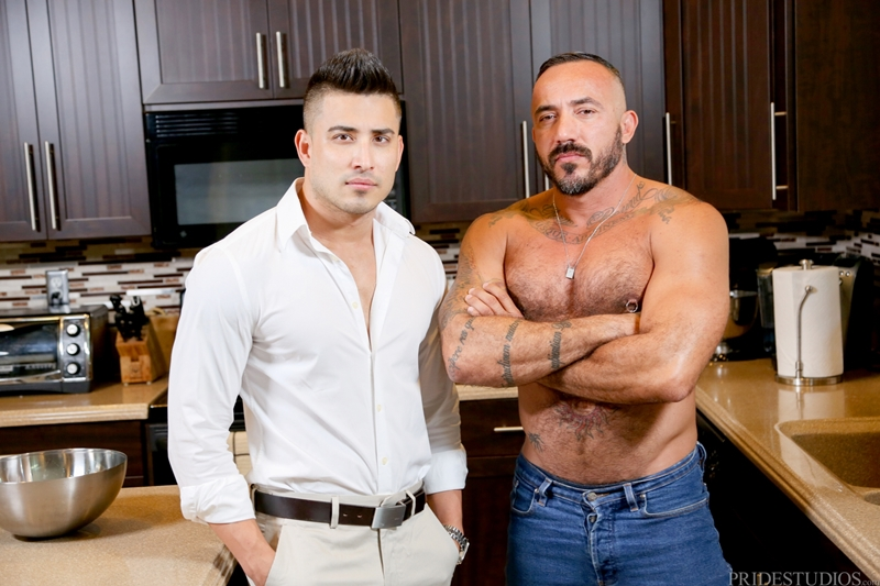 MenOver30-big-muscle-man-Alessio-Romero-Hunter-Vance-balls-deep-blowjob-fucking-boyfriend-hard-breakup-sex-ass-jerks-shoots-cum-001-gay-porn-video-porno-nude-movies-pics-porn-star-sex-photo