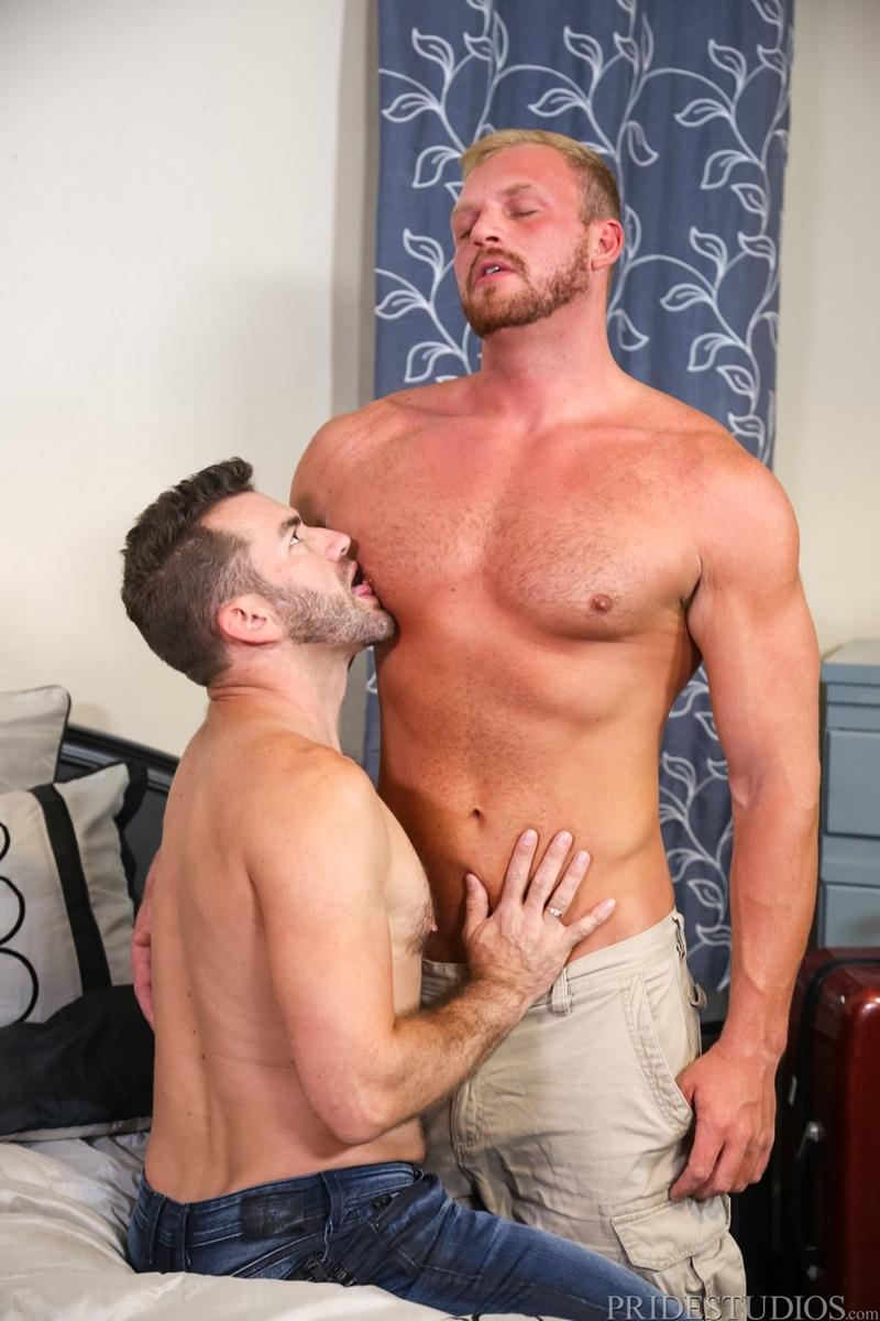 hot kissing men naked