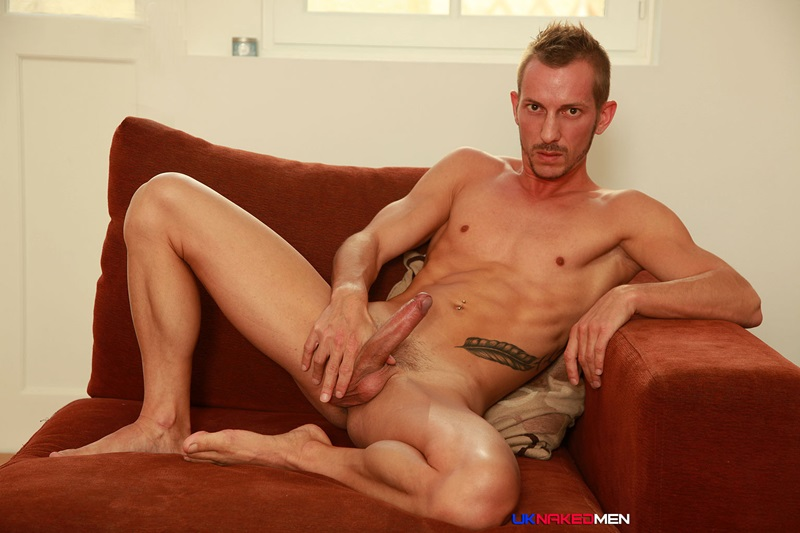 Furious Wanking For Solo Tattooed Stud