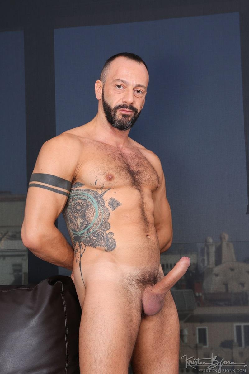 gay friendly art city