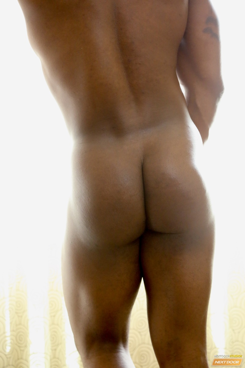 Sexy Naked Muscle Stud Mustang Jerks His Big Black Dick To -1439