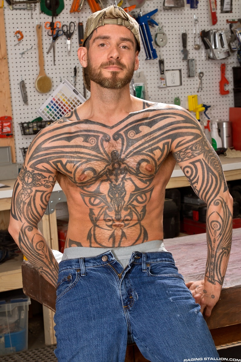 RagingStallion-Boomer-Banks-Logan-McCree-massive-monster-10-inch-huge-thick-uncut-cock-stroking-tattooed-ass-hole-rimming-cocksucking-002-gay-porn-tube-star-gallery-video-photo