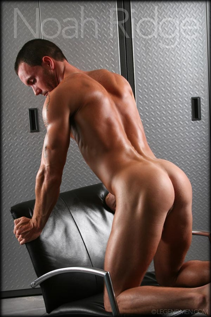LegendMen-Hot-sexy-muscle-stud-Noah-Ridge-young-muscled-bodybuilder-ripped-body-six-pack-abs-huge-thick-long-dick-hot-bubble-ass-jerks-006-gay-porn-sex-gallery-pics-video-photo