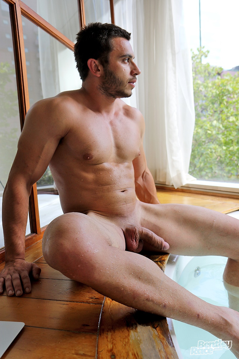 from Valentino free young gay aussie porn