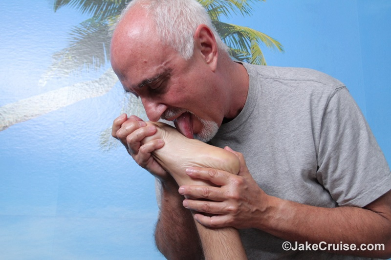 jakecruise-sexy-naked-men-big-thick-cock-guy-holiday-massage-cocksucking-assplay-hairy-asshole-blonde-hair-hunk-008-gay-porn-sex-gallery-pics-video-photo
