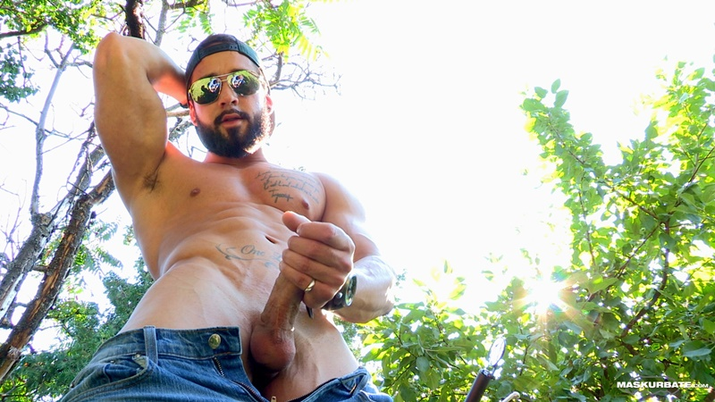 maskurbate-ripped-naked-big-muscle-man-zack-huge-thick-long-dick-solo-jerk-off-cumshot-sexy-muscled-hunk-beard-facial-hair-ripped-abs-009-gay-porn-sex-gallery-pics-video-photo