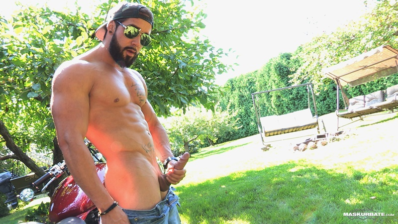 maskurbate-ripped-naked-big-muscle-man-zack-huge-thick-long-dick-solo-jerk-off-cumshot-sexy-muscled-hunk-beard-facial-hair-ripped-abs-011-gay-porn-sex-gallery-pics-video-photo