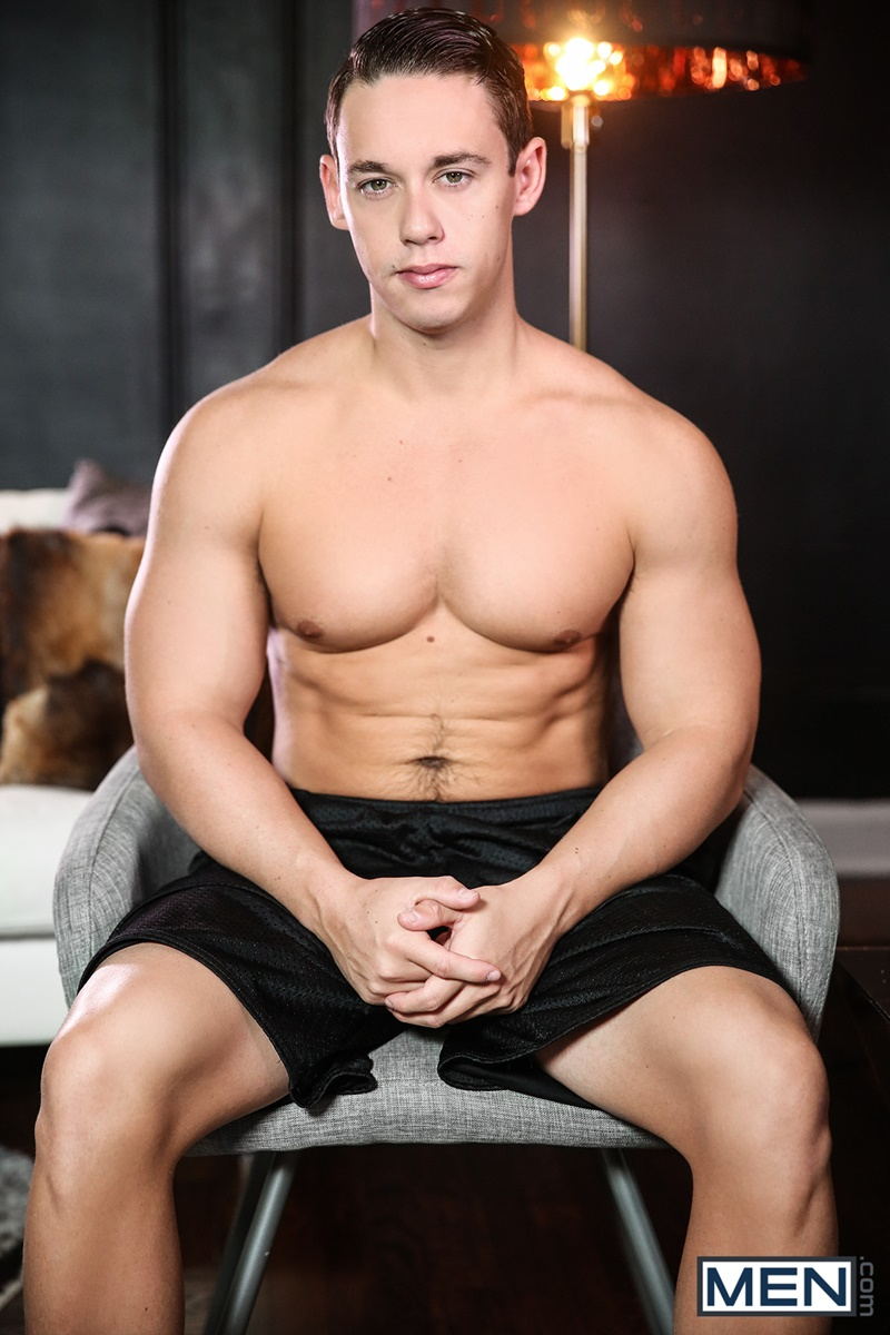 Smart Dude Seduces His Hunky Couch