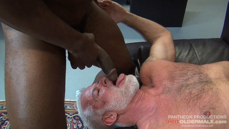 hotoldermale-sexy-black-naked-muscle-stud-osiris-blade-11-inch-ebony-dick-breeds-older-daddy-jake-marshall-mature-asshole-010-gay-porn-sex-gallery-pics-video-photo