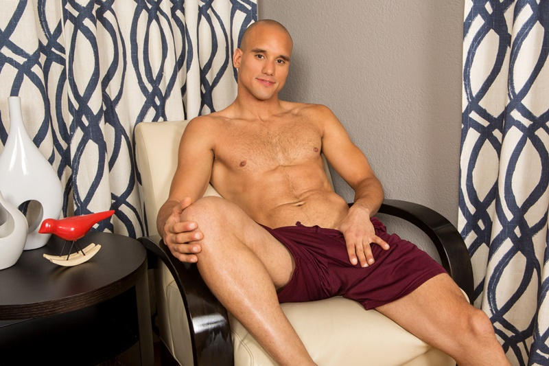 seancody-sexy-naked-muscle-guy-frankie-shaved-hairy-chest-big-thick-long-cock-solo-jerking-bubble-butt-ass-hole-low-hanging-balls-002-gay-porn-sex-gallery-pics-video-photo