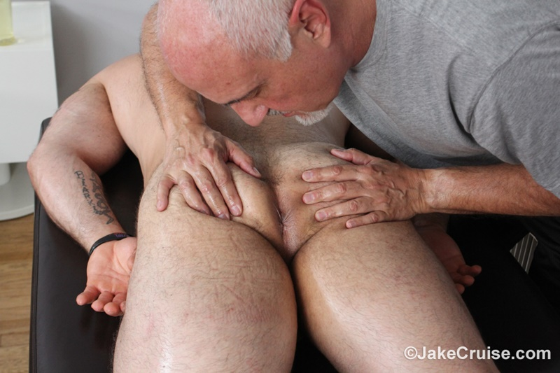 jakecruise-hairy-chest-big-daddy-hunk-jaxton-wheeler-big-cock-massage-jake-cruise-mature-men-older-guys-serviced-massage-009-gay-porn-sex-gallery-pics-video-photo