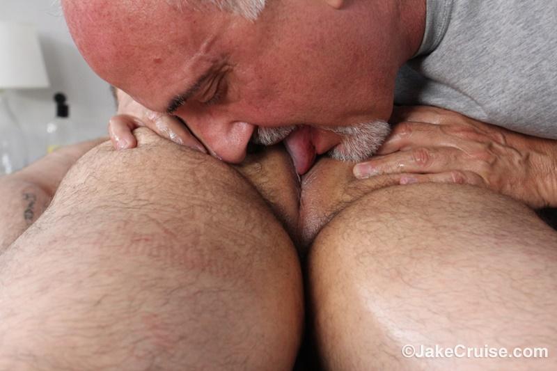 jakecruise-hairy-chest-big-daddy-hunk-jaxton-wheeler-big-cock-massage-jake-cruise-mature-men-older-guys-serviced-massage-010-gay-porn-sex-gallery-pics-video-photo