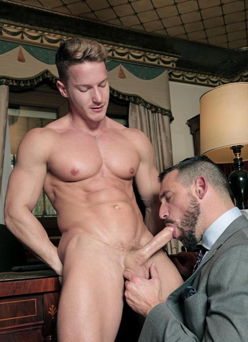 Men play porn