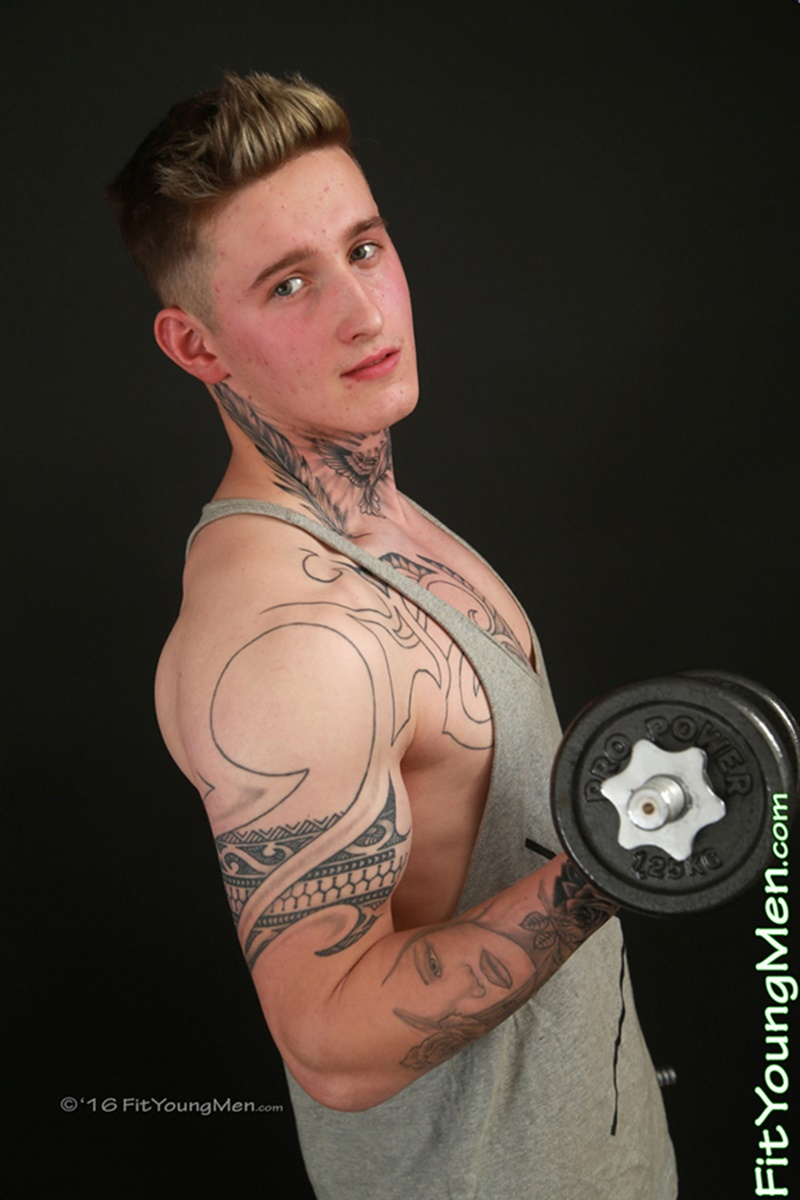 Young 19 Year Old Gym Stud Lachlan Scott Strips Naked Jerking His