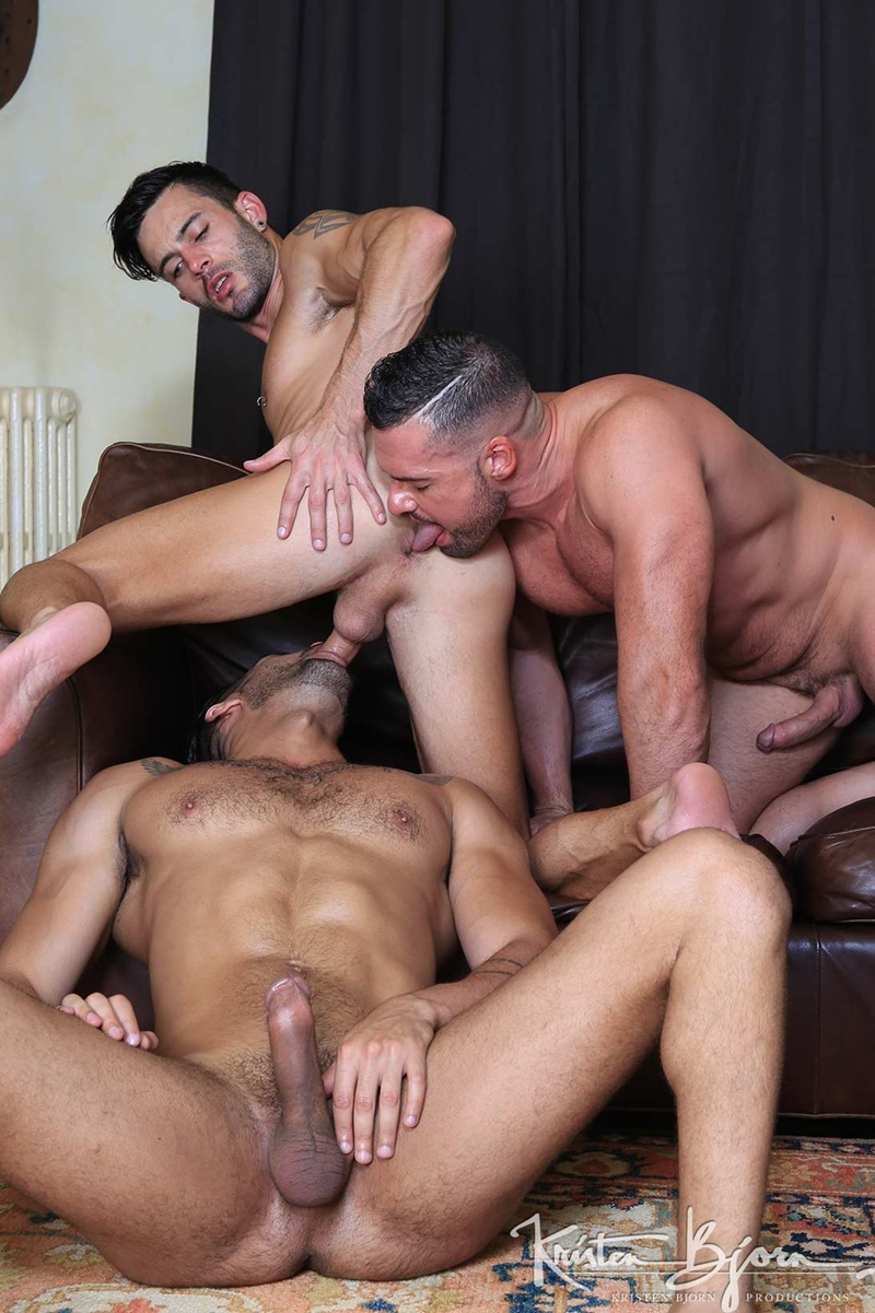 Wild studs ass fuck and unload cum inside the ass