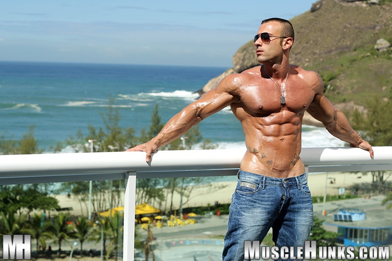 MuscleHunks hot nude Italian dude big muscle bodybuilder Gianluigi Volti strips naked jerks his huge muscle cock bubble butt ass 002 gay porn sex gallery pics video photo - Sicilian big muscle bodybuilder Gianluigi Volti strips naked and jerks his huge muscle cock