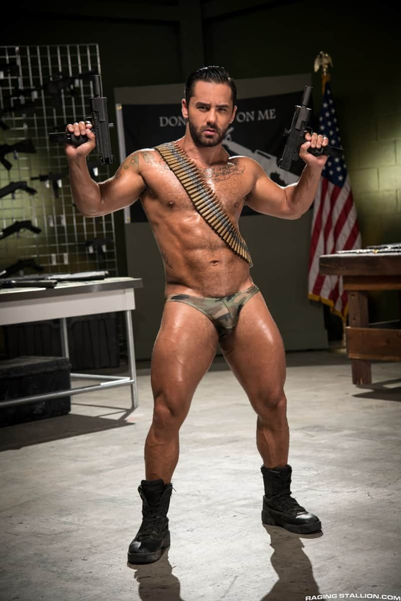 Naked muscle ass women