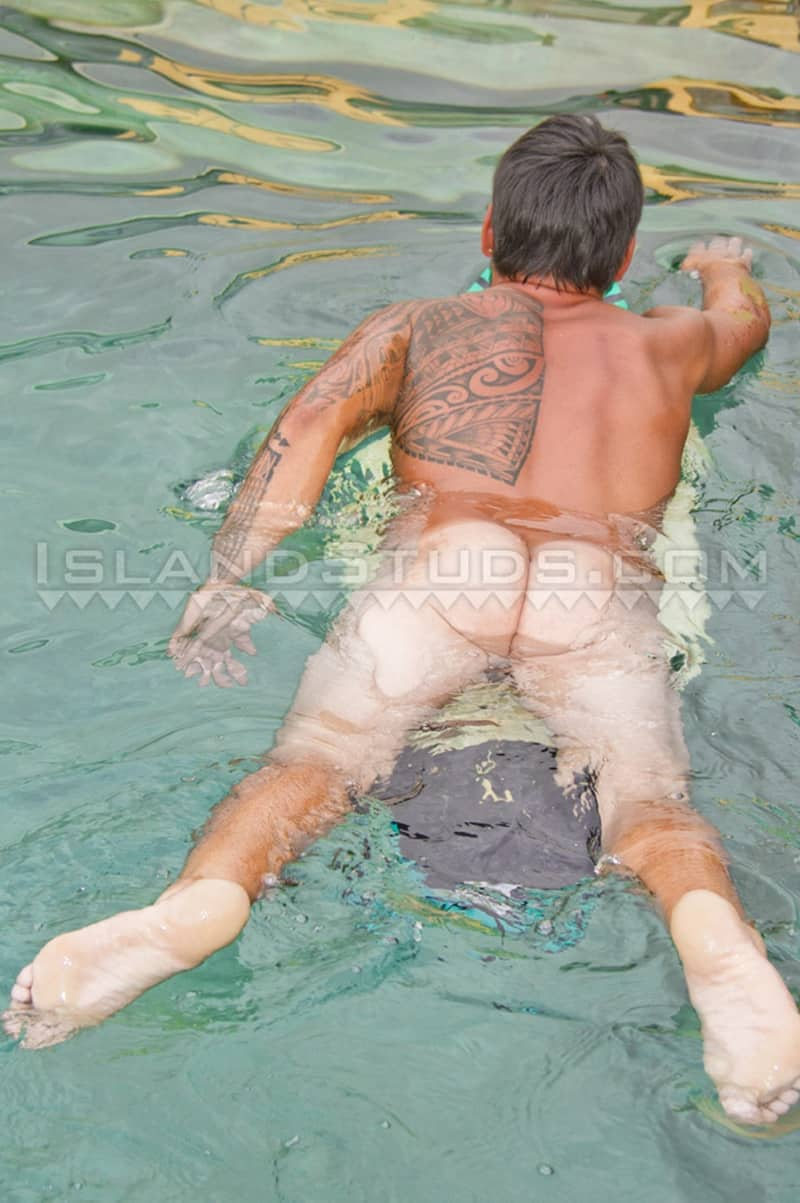 IslandStuds gay porn tattoo beard facial hair small dick sex pics Kimo bubble butt asshole 008 gallery video photo - Kimo spreads his sweet smooth virgin surfer butt WIDE OPEN while skinny dipping underwater in the pool