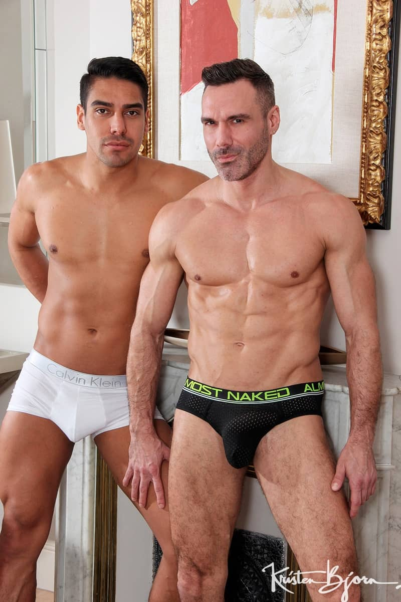 KristenBjorn gay porn hot muscle dude bareback cock ass fucking sex pics Manuel Skye Salvador Mendoza 002 gallery video photo - Hot muscle dude Manuel Skye drives his bareback cock deeper and harder into Salvador Mendoza's raw ass