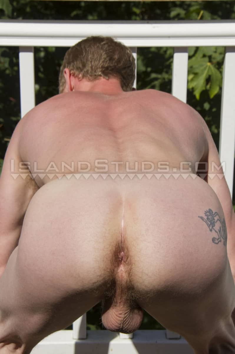 IslandStuds Bearded redhead ginger sexy handsome Mike smooth ripped body firm bubble butt huge eight 8 inch foreskin uncut cock 005 gay porn sex gallery pics - Bearded sexy handsome Mike has a smooth ripped body, firm bubble butt and huge 8 inch foreskined uncut cock