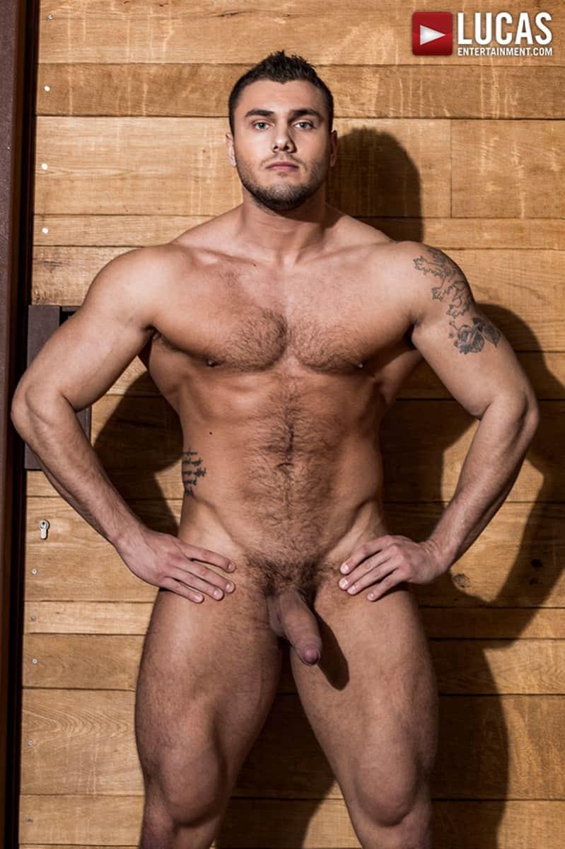 Bodybuilder gay spit porn