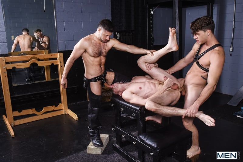 Men for Men Blog Gay-Porn-Pics-014-Tristan-Jaxx-Jack-Hunter-Paul-Canon-Hardcore-leather-big-dick-fucking-orgy-Men Hardcore leather big dick fucking orgy with Tristan Jaxx , Jack Hunter and Paul Canon Men
