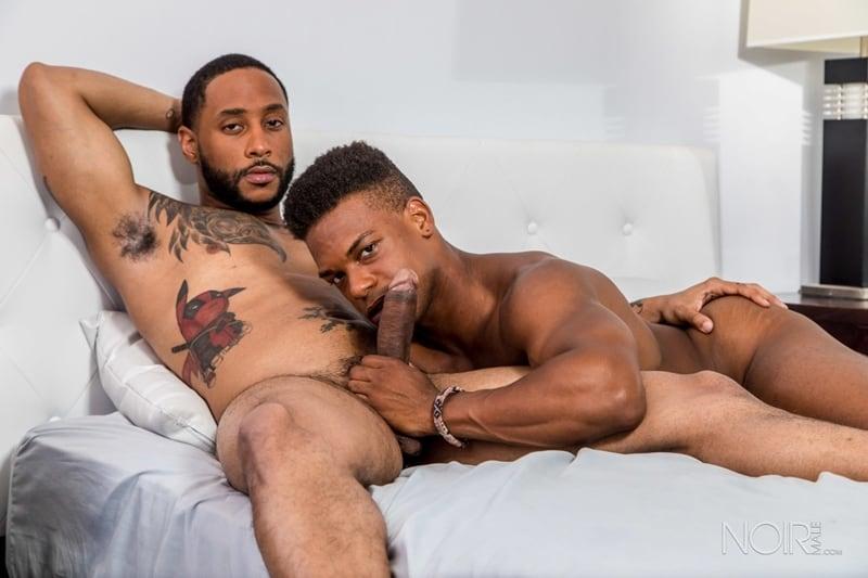 Black Milf Sucking Dick