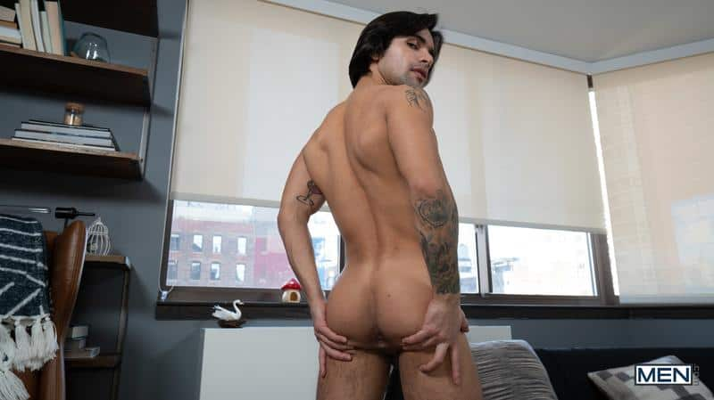 House invader Bruce Beckham surprises Ty Mitchell huge dick bare ass fucking 6 gay porn pics - House invader Bruce Beckham's surprises Ty Mitchell with his huge dick bare ass fucking