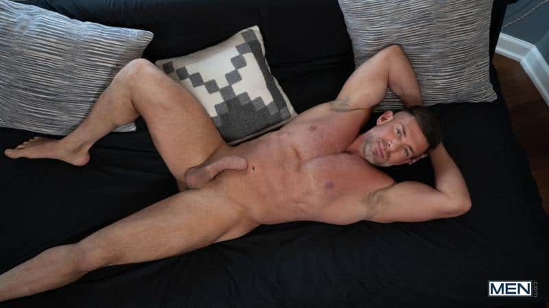 House invader Bruce Beckham surprises Ty Mitchell huge dick bare ass fucking 8 gay porn pics - House invader Bruce Beckham's surprises Ty Mitchell with his huge dick bare ass fucking