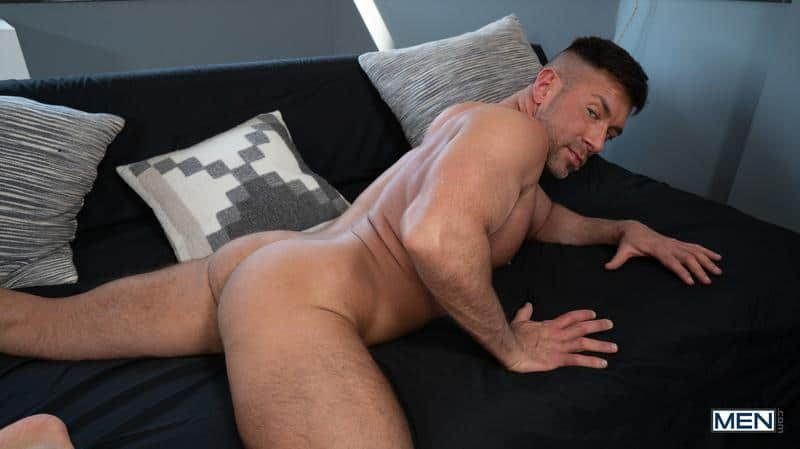 House invader Bruce Beckham surprises Ty Mitchell huge dick bare ass fucking 9 gay porn pics - House invader Bruce Beckham's surprises Ty Mitchell with his huge dick bare ass fucking