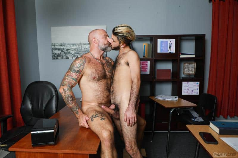 Hairy older Musclebear Montreal hot asshole bare fucked young hottie Adrian Rose huge dick 10 gay porn pics - Hairy older Musclebear Montreal's hot asshole bare fucked by young hottie Adrian Rose's huge dick