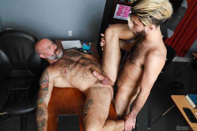 Hairy older Musclebear Montreal hot asshole bare fucked young hottie Adrian Rose huge dick 14 gay porn pics - Hairy older Musclebear Montreal's hot asshole bare fucked by young hottie Adrian Rose's huge dick